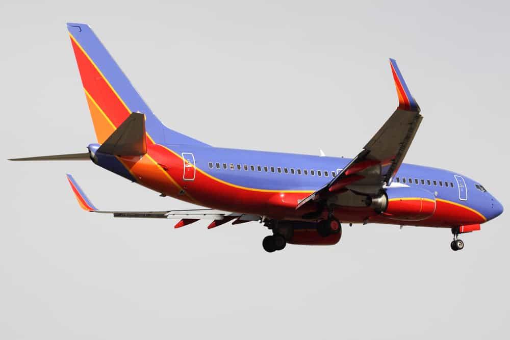 Image of plane at landing